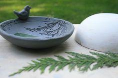 The Skillful Bee: Ceramic Bowl with Nature Impressions (Slump mold) Ceramic Birds, Ceramic Clay, Ceramic Painting, Ceramic Plates, Pottery Bowls, Ceramic Pottery, Pottery Art, Pottery Ideas, Ceramic Texture