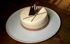 Mini eclere cu crema de vanilie si glazura de ciocolata   Pleziruri Romanian Food, Romanian Recipes, Mousse, Cheesecake, Sweets, Desserts, French, Bavarian Cream, Mascarpone