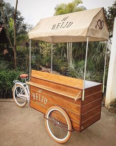 Canopy Display Cart, by: blumbungan_furniture Food Cart Design, Cafe Design, Coffee Carts, Coffee Shop, Bike Coffee, Mobile Pizza Oven, Bicycle Cart, Vendor Cart, Mobile Food Cart