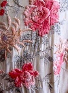 Embroidery | coquita via tumblr