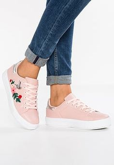 16 Best Shoes images in 2020 | Shoes, Sneakers, Vans old