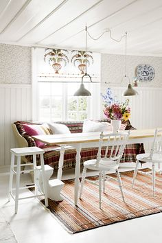 love the table {poss living room/dining room for our apartment}