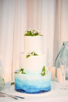 If you're a color-loving bride- or groom-to-be, put ombré wedding cakes on your radar. Both subtle enough for the minimalist, and bright enough for the color enthusiast, these ombré confections are as pretty as wedding cakes come. Wedding Cake Photos, Amazing Wedding Cakes, Wedding Cake Designs, Wedding Cake Toppers, Blue Wedding Cakes, Wedding Pictures, Watercolor Wedding Cake, Colorful Desserts, Ombre Cake