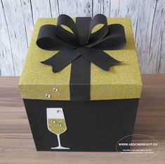 Creative Birthday Gifts, Cute Birthday Gift, Birthday Box, Creative Gifts, Gift Card Boxes, Diy Gift Box, Easy Diy Gifts, Exploding Gift Box, Hot Chocolate Gifts