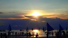 Sunset over Boracay ⛵️