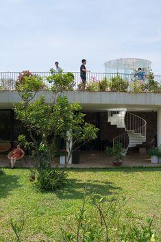 V4 HOUSE / TNT architects