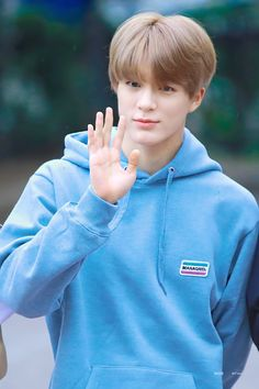 you bring colour to my life🎶🌊 Nct 127, Mark Lee, Nct Debut, Ntc Dream, Johnny Seo, Nct Group, Jeno Nct, Entertainment, Maroon 5
