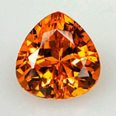This pear shape Spessartite Garnet from Nigeria 🇳🇬 is a carat juicy gem, with colour that can resemble a ripe orange. In fact, some stones with reddish-orange hues are referred to as Mandarin. Minerals And Gemstones, Crystals Minerals, Rocks And Minerals, Loose Gemstones, Diamond Gemstone, Gemstone Colors, Birthstone Gems, Mineral Stone, Red Garnet