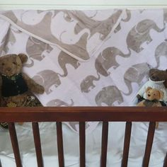 Stunning blankets for girls and blankets for boys. Blankets for babies and blankets for newborns. Kids Blankets, Penguins, Doggies, Cribs, Sheep, Baby Shower Gifts, Range, Clouds, Bed
