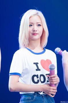 Apink - Bomi Kpop Girl Groups, Korean Girl Groups, Kpop Girls, Beautiful People, Beautiful Women, Pink Panda, Music Images, Korean Music, Pink Outfits