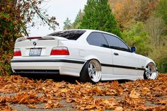 White BMW coupe on cult classic Gotti wheels E36 Coupe, Bmw Love, Bmw Classic, Bmw 3 Series, Bmw Cars, Bmw E36, Cars And Motorcycles, Audi, Culture Album