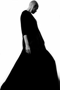 fashion-spasm:  Фотограф: Джеймс МатыцынМодель: Angel UlyanovДизайнер: Анна Рощина