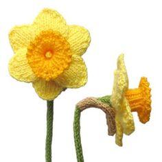 Daffodil Free Knitting Pattern | Free Flower Knitting Patterns at http://intheloopknitting.com/free-flower-knitting-patterns/