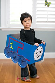 THOMAS AND FRIENDS COSTUMES + 5 PRINTABLE FACES hello, Wonderful - THOMAS AND FRIENDS COSTUMES + 5 PRINTABLE FACES<br> THOMAS AND FRIENDS COSTUMES + 5 PRINTABLE FACES Cardboard Train, Cardboard Costume, Friend Costumes, Boy Costumes, Toddler Costumes, Costume Ideas, Trains Birthday Party, Thomas Birthday Cakes, Children Costumes