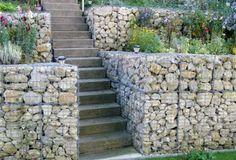 rounded stone retaining wall