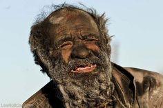 Tiene 60 años sin bañarse y mira cómo se ve (foto) - http://www.leanoticias.com/2014/01/10/tiene-60-anos-sin-banarse-y-mira-como-se-ve-foto/