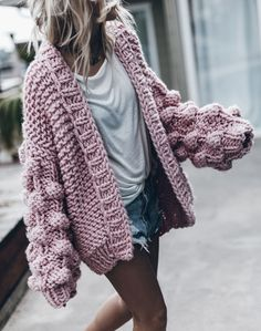 39 Ideas For Knitting Pullover Outfit Knit Sweater Outfit, Chunky Knit Cardigan, Chunky Knits, Big Sweater, Chunky Crochet, Oversized Cardigan, Crochet Cardigan, Chunky Knit Sweaters, Pullover Outfits
