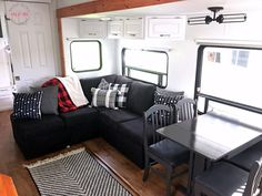 wohnwagen pimpen Amazing Travel Trailers Remodel Rv Living Ideas 22 Best Quality Pex Tools available Remove Wallpaper Borders, Removing Wallpaper, Travel Trailer Remodel, Travel Trailers, Rv Trailers, Fifth Wheel Campers, Rv Camping Checklist, Rv Makeover, Rv Campers