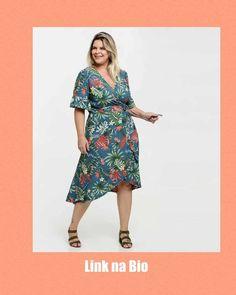 "@vestidosbasicos: ""Para comprar, só clicar no link da bio. Bjs.  Siga @vestidosbasicos   #vestidoestampado…"" Vestidos Plus Size, Short Sleeve Dresses, Dresses With Sleeves, Look, Wrap Dress, Fashion, Patterned Dress, Shopping, Moda"