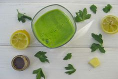 """Parsley Lemonade """"Allergies Be Gone"""" Alkaline Green Juice - Juicing can be powerful for relieving allergies. This alkaline parsley blend is one of the most powerful juice recipes for restoring health and balance. Healthy Blender Recipes, Alkaline Diet Recipes, Juicer Recipes, Healthy Juices, Healthy Drinks, Vegan Recipes, Canning Recipes, Eating Healthy, Healthy Tips"""