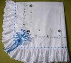 Resultado de imagen de mantas de bebe bordadas