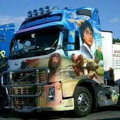 www.youtruckme.com the social  functional network for truck drivers ! Show Trucks, Big Trucks, Custom Big Rigs, Custom Cars, Brush Truck, Volvo Trucks, Truck Drivers, Customised Trucks, Mens Trucker Hat