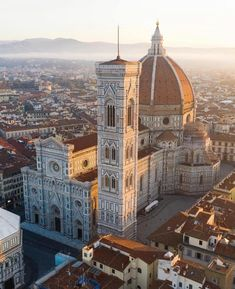Duomo in Florence Places Around The World, Oh The Places You'll Go, Places To Travel, Filippo Brunelleschi, Tuscany Italy, Florence Tuscany, Venice Italy, Florence Dome, Sorrento Italy