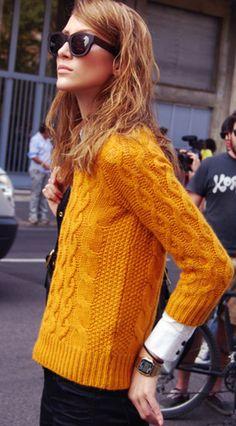 Jeresy clásico de lana en un vibrante color calabaza. Perfecto con unos #botines de este color, disponible en nuestro #customizador.