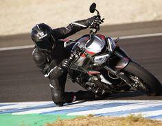 Indian Motorcycle sella alianza con Roland Sands para equipar la FTR 1200 | Motoqueros.Cl Triumph Triple, Triumph Street Triple, Triumph Bonneville, Cool Motorcycles, Triumph Motorcycles, Tank Design, Motorcycle Design, Street Bikes, Rear Brakes