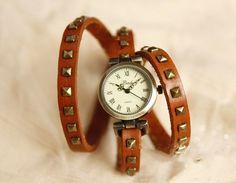 Triple Wrap Strap Watch,Cow Leather Wrap Around Watches, Handmade Retro Women Rivet Bracelet Watch,Multi-Circle Learher Watch adjustable-B58