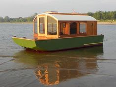 If you love to work with your hands, have basic carpentry skills and love the water, you should consider building your own boat. Building your own boat can save you lots of money. Wooden Boat Building, Wooden Boat Plans, Boat Building Plans, Plywood Boat, Wood Boats, Small Houseboats, Shallow Water Boats, Shanty Boat, Free Boat Plans