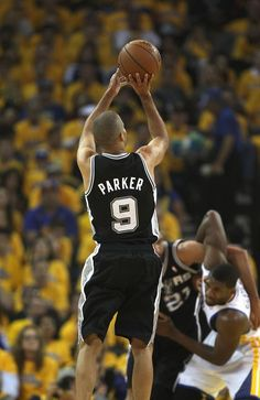 Tony Parker #9 of the San Antonio Spurs shoots