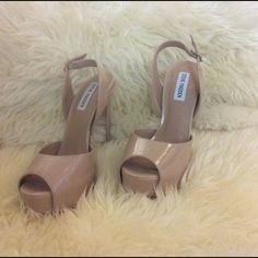 HP girly girl party. NWOT. NWOT Steve Madden open toe sling back platforms. Nude. Brand new never worn. No box. Platform is 1 1/4 inch. Heel is 6 inch including platform. Steve Madden Shoes Platforms