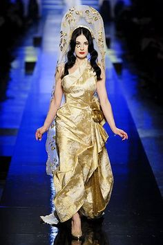 Jean Paul Gaultier Spring 2007 Couture Fashion Show - Dita Von Teese (MARILYN)