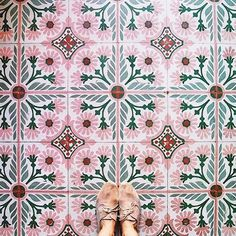 Peachy pink tiles perfect for adding a pop of colour into a Kitchen. Peachy pink tiles perfect for a Tile Patterns, Textures Patterns, Color Patterns, Color Schemes, Interior Inspiration, Design Inspiration, Home Design, Interior Design, Islamic Art