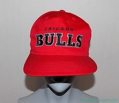 798368e1319 CHICAGO BULLS NBA VTG STARTER RED COTTON EMBROIDERED SNAPBACK ONE SIZE CAP  HAT