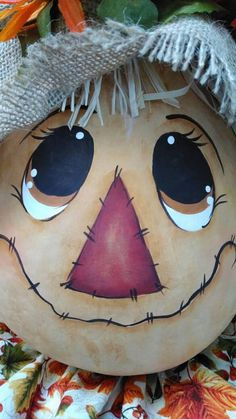 Fall scarecrow, Scarecrow gourd hand painted This Scarecrow gourd is my original pattern painted on Scarecrow Painting, Scarecrow Face, Moldes Halloween, Manualidades Halloween, Fall Halloween, Halloween Crafts, Vintage Halloween, Halloween Party, Fall Scarecrows
