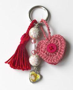 Hartje haken   draadenpapier   Gratis patroon van PlanetJune #haken #hart #crochet #heart
