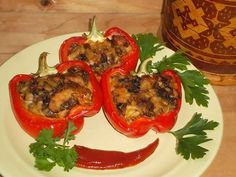 You searched for Pui la cuptor - Page 3 of 30 - Bucatarul. Chicken Stuffed Peppers, Stuffed Sweet Peppers, Stuffed Mushrooms, Pepper Chicken, Oriental, Good Food, Yummy Food, Romanian Food, Tandoori Chicken