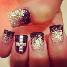 Black And Silver Ombre nails