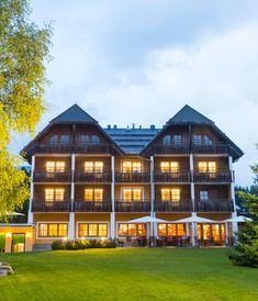 Hotel im Naturpark Almenland Mansions, House Styles, Home Decor, Relaxer, Annual Leave, Far Away, Water Pond, Places, Nature