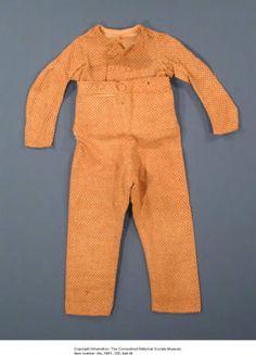 A skeleton suit for a little boy. Connecticut History Museum: terno para niño, de 1805-1807 (Inventario: 1981.130.4a, b)