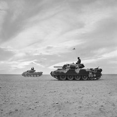 """captain-price-official: """"uss-edsall: """"British Crusader tanks during the Battle of El Alamein, 28 October """" Numerically the most important British tank of the North African campaign. Pin by Paolo Marzioli Crusader Tank, Afrika Corps, Tank Warfare, North African Campaign, Heavy Cruiser, Armored Fighting Vehicle, War Image, Military Pictures, Ww2 Tanks"""
