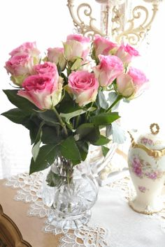 Shabby chic decor pink roses