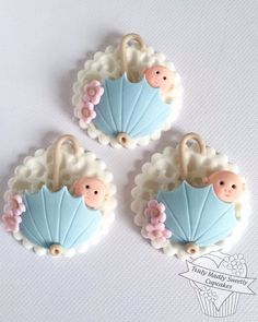 www.cakecoachonline.com - sharing....Baby shower cupcakes More