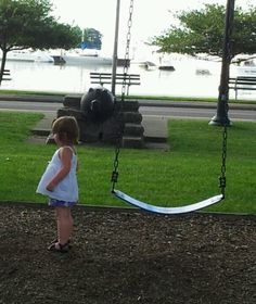 De Rivera Park, on the harbor, downtown Put-in-Bay, has playgrounds, picnic tables, bath house, restrooms & plenty of shady spots for relaxing. Top spot for many events including Founder's Day & Oktoberfest
