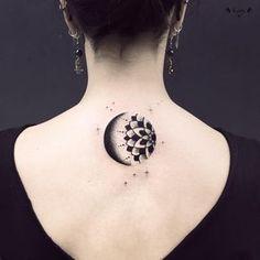 """2,447 mentions J'aime, 9 commentaires - Violette Chabanon (@violette_bleunoir) sur Instagram : """"Merci Léna d'être venue jusqu'à Paris ! #moon #tattoo #violette #bleunoir #bleunoirtattoo…"""""""