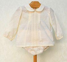 Conjunto de niño dos piezas, bombacho y camisa de plumeti.