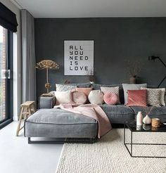 So sweet, all your reactions today! Thx before that ❤️. I messed around the house and changed my IXXI. Now at the coffee at ma and tonight at home on the couch with Netflix and wine ☺️. From the week we also bought 2 pink pillows and a plaid 💞🙈. K like that, pink and you? Fine hub 😀💋