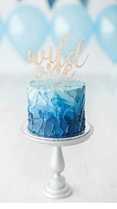 wild one smash cake Blue Birthday Cakes, Boys 1st Birthday Cake, Boys First Birthday Party Ideas, Baby Boy 1st Birthday Party, Birthday Desserts, Birthday Cookies, Birthday Photos, Gateau Baby Shower, First Birthdays